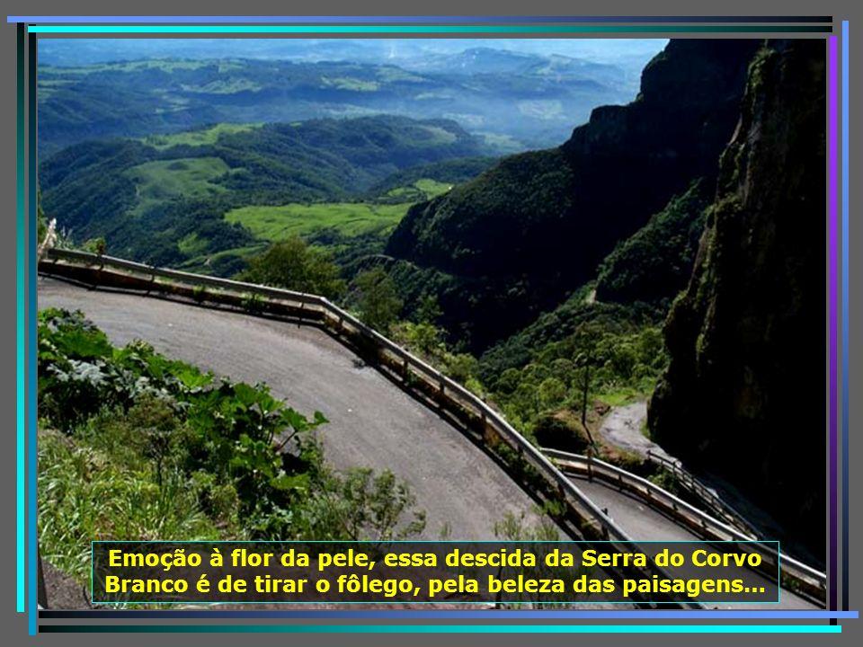 Serra do Corvo Branco onde a rodovia SC-439 passa pelo maior corte em rocha do Brasil, com 90 m. de altura, reserva paisagens desconcertantes…