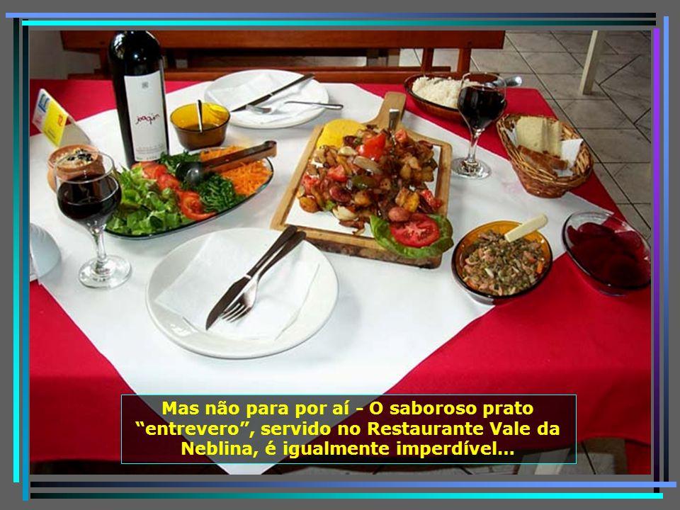 Ai que tentação - Truta à Portuguesa servida no Restaurante A Taberna. É impossível visitar Urubici, sem provar esse prato delicioso, acompanhado de u
