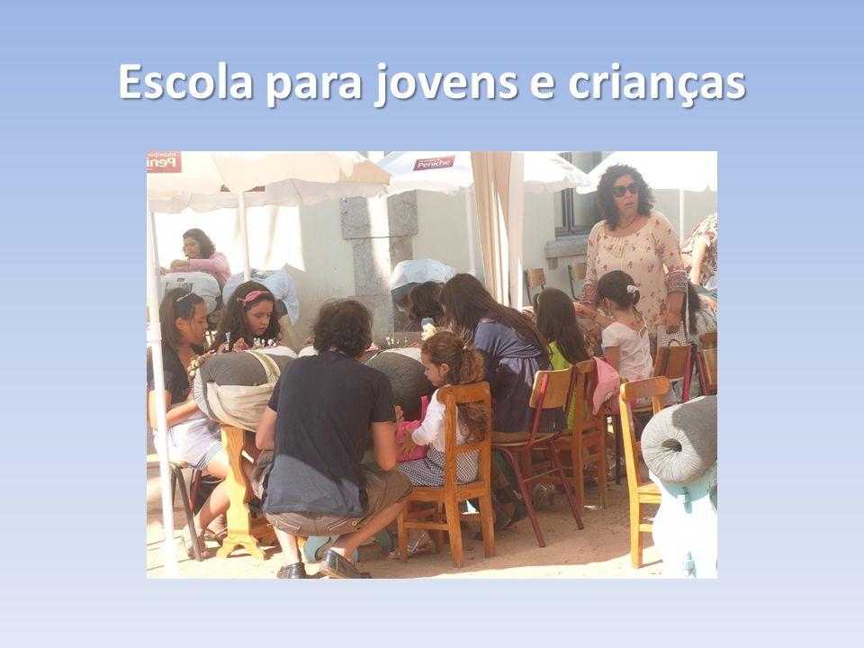 Escola para jovens e crianças