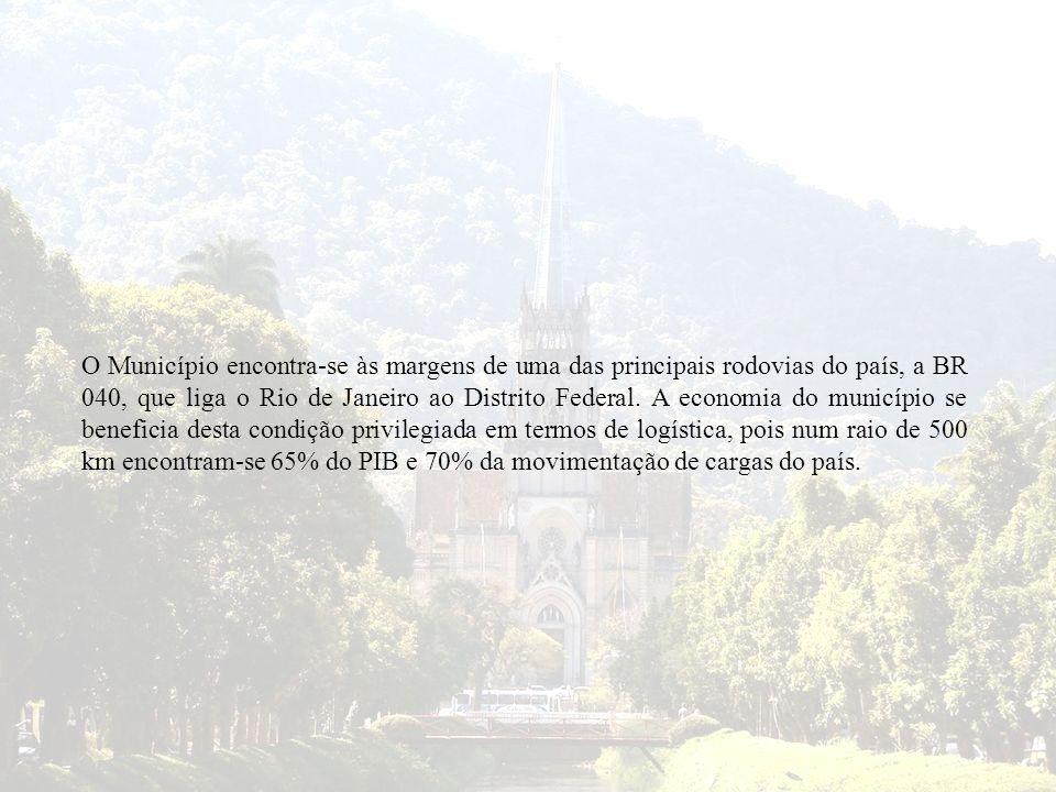 O Município encontra-se às margens de uma das principais rodovias do país, a BR 040, que liga o Rio de Janeiro ao Distrito Federal. A economia do muni