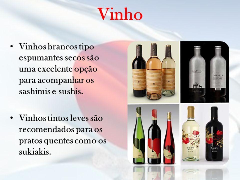 Vinho Vinhos brancos tipo espumantes secos são uma excelente opção para acompanhar os sashimis e sushis. Vinhos tintos leves são recomendados para os