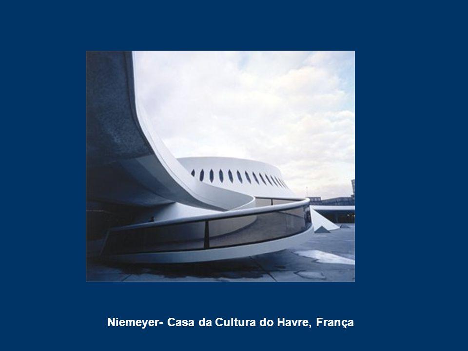 Niemeyer- Casa da Cultura do Havre, França