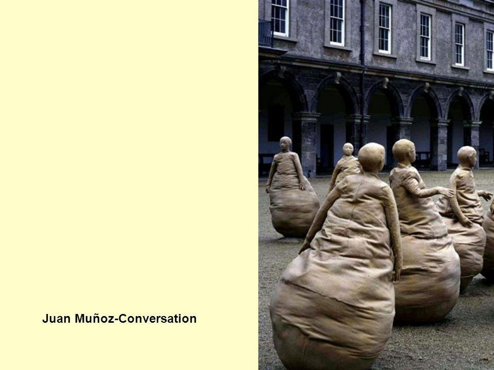 Juan Muñoz-Conversation
