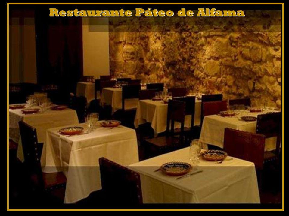 Na noite da capital portuguesa pode ir também ir jantar num restaurante de Alfama.