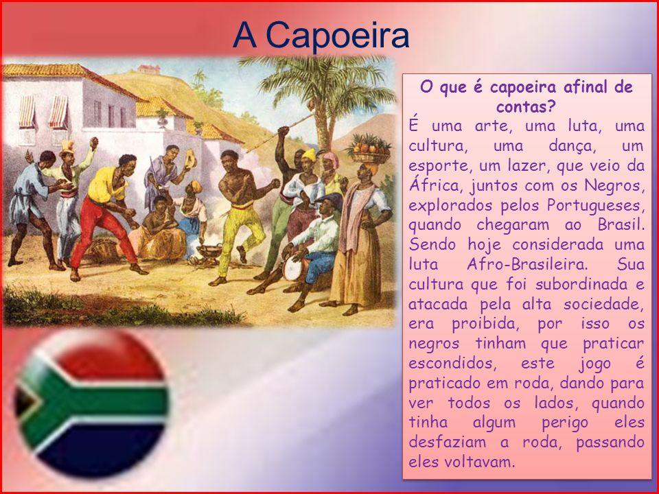 Dividiu-se em duas partes: Capoeira de Angola e Capoeira Regional Capoeira de Angola: é um jogo mais lento, cheio de entradas e muita malícia onde o adversário marca e ataca o outro jogador, nesta não se tem acrobacias.