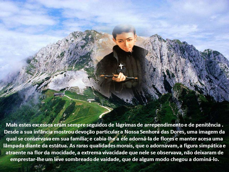 Neste educandário passou Francisco os anos todos de sua mocidade no mundo e chegou a cursar os quatro semestres de estudos filosóficos. Estudante inte
