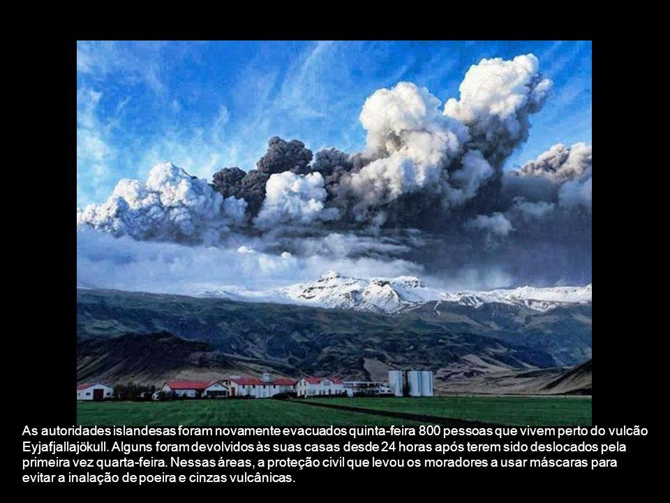 O despertar do vulcão Eyjafjallajökull colapso causado causando enchentes. 800 residentes foram evacuados. Islândia: Imagens espetaculares Erupção vul