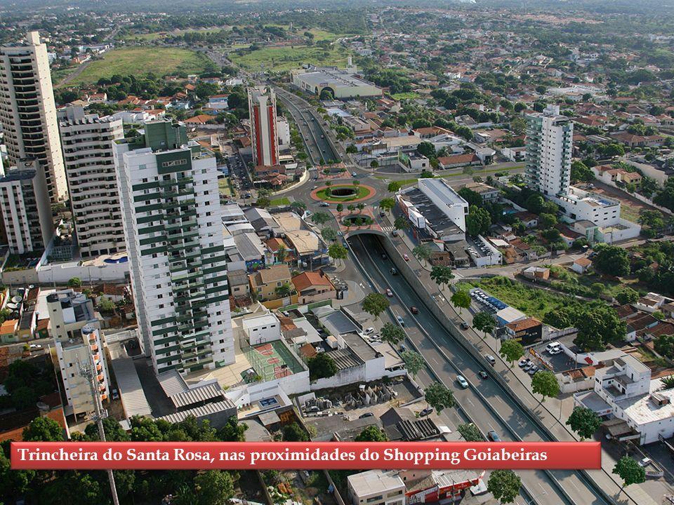 Trincheira do Santa Rosa, nas proximidades do Shopping Goiabeiras