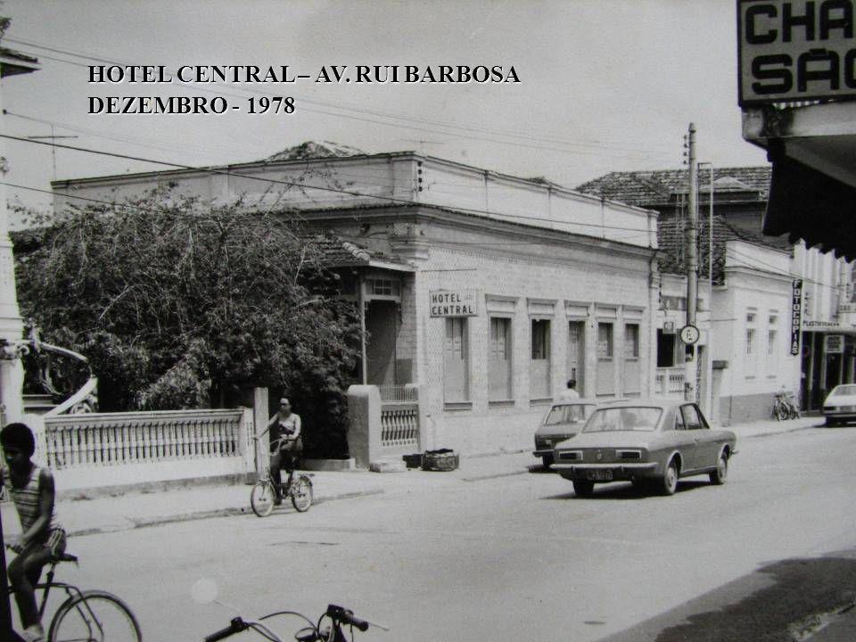 CAVALEIRO E ENTRADA DO BAIRRO DA GLÓRIA AUTO VIAÇÃO GATURAMO - 1976