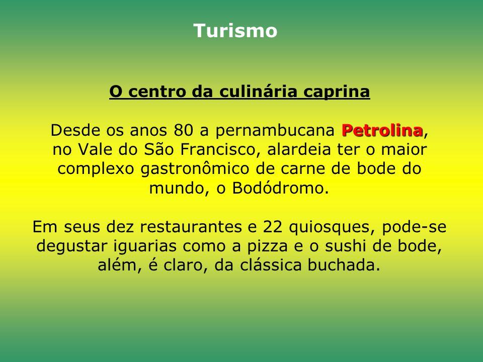 A moto-taxi custa R$ 1,50 para levar você até qualquer ponto da cidade. O dobro para os turistas que desejam ir até Letícia. O capacete não é obrigató