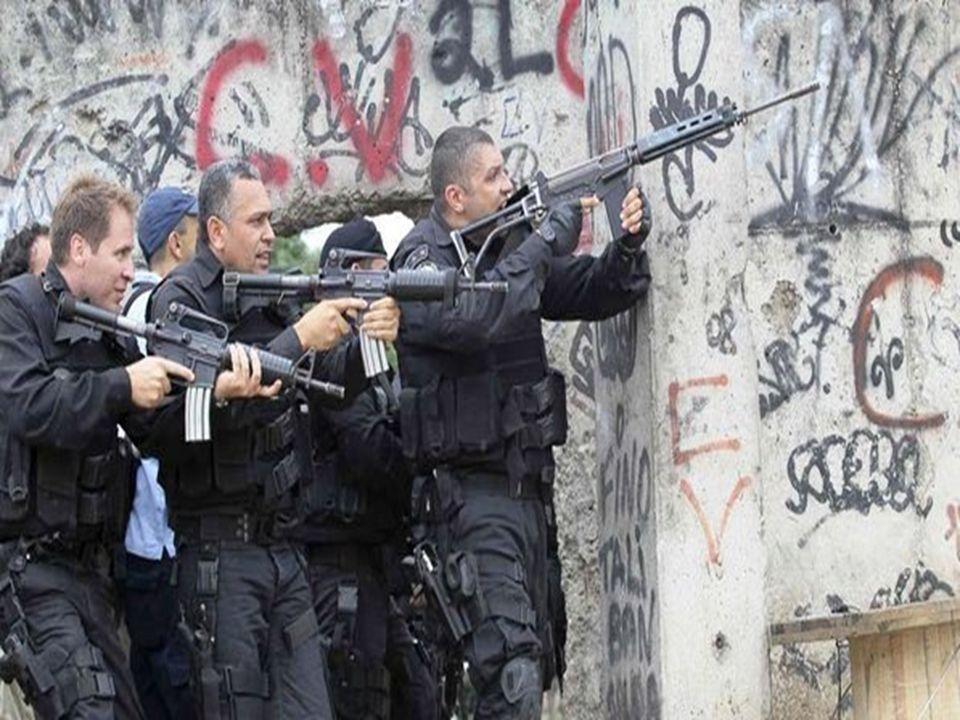 As causas da violência são associadas, em parte, a problemas sociais como miséria, fome, desemprego.