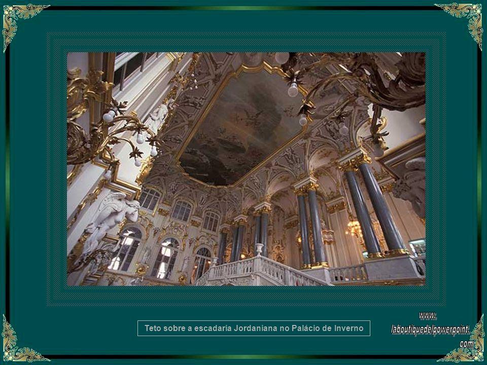 A escadaria principal do Palácio do Inverno -Detalhe