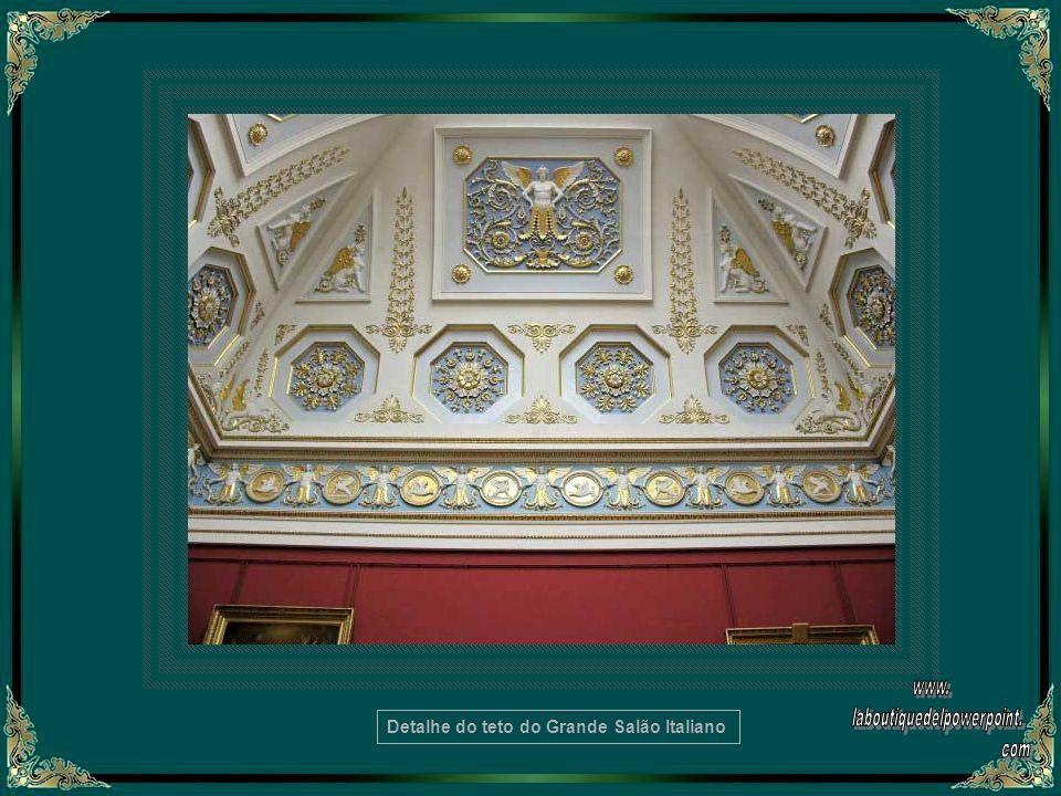 Detalhe do teto do Grande Salão Italiano
