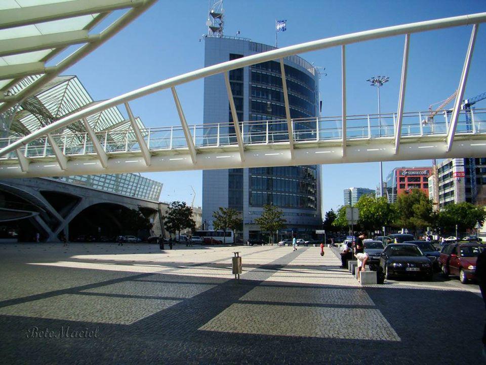 Parque das Nações O Parque das Nações é a designação atual da antiga Zona de Intervenção da Expo, que inclui o local onde foi realizada a Exposição Mu