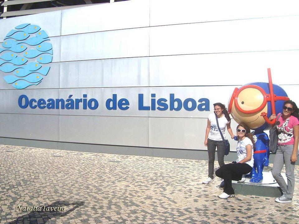 Oceanário de Lisboa É o maior aquário do mundo com a reprodução de 5 oceanos distintos e numerosas espécies de mamíferos e peixes. Obra do arquiteto P