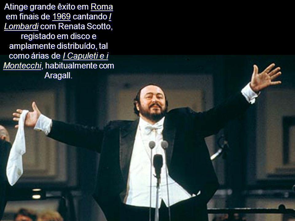 Décadas de 1960 e 1970 Em Milão, em 28 de Abril seguinte, estreia no Teatro alla Scala com La bohème. Depois de uma turnê à Austrália regressou ao La