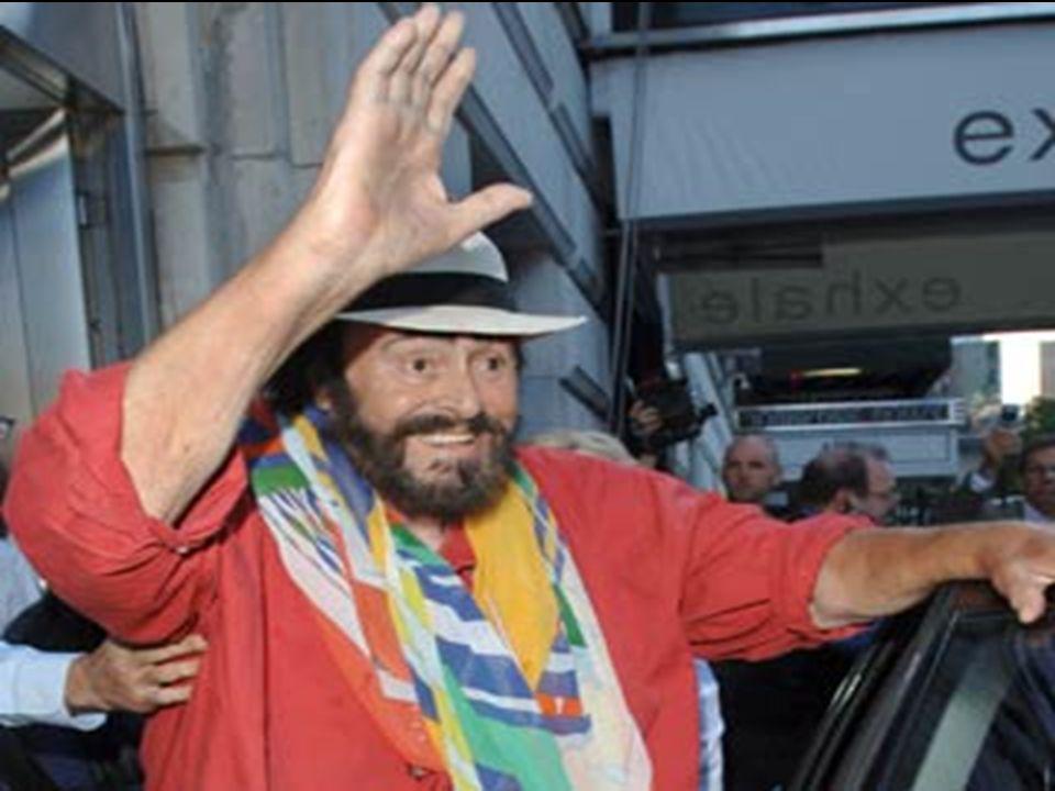 Luciano Pavarotti Clique para mudar os slides.