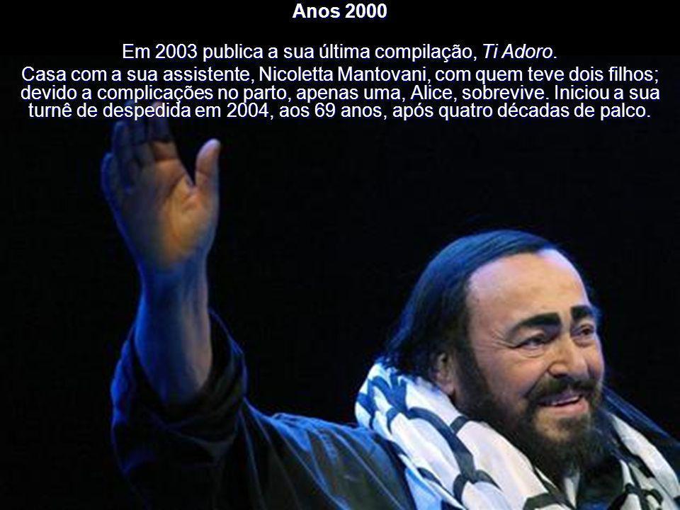 Anos 2000 Pavarotti tem duas entradas no livro Guinness World Records: o maior número de chamadas ao palco 165 e o álbum de música clássica mais vendi