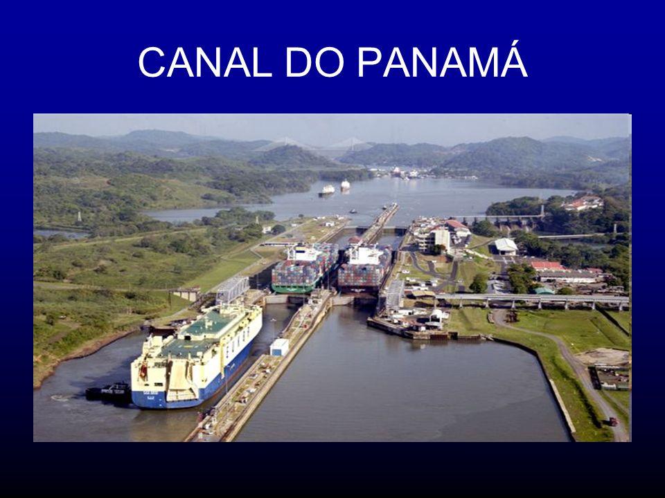 Por ano passam pelo canal cerca de 13 mil navios.