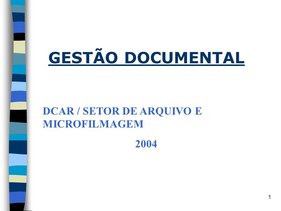 11 DEFINIÇÃO DO MOBILIÁRIO E EQUIPAMENTOS/ARQUIVOS n Deve-se calcular o volume do material a ser arquivado, suportes (papel, filme, fita magnética, disquete e cds) e o tamanho dos documentos.
