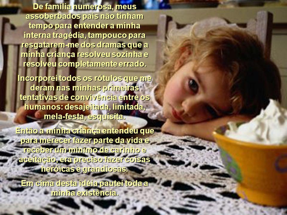 A Criança Que Eu Não Fui Fátima Irene Pinto A criança que eu não fui aflora agora, após quase meio século de vida. Eu acreditei que pudesse abafá- la