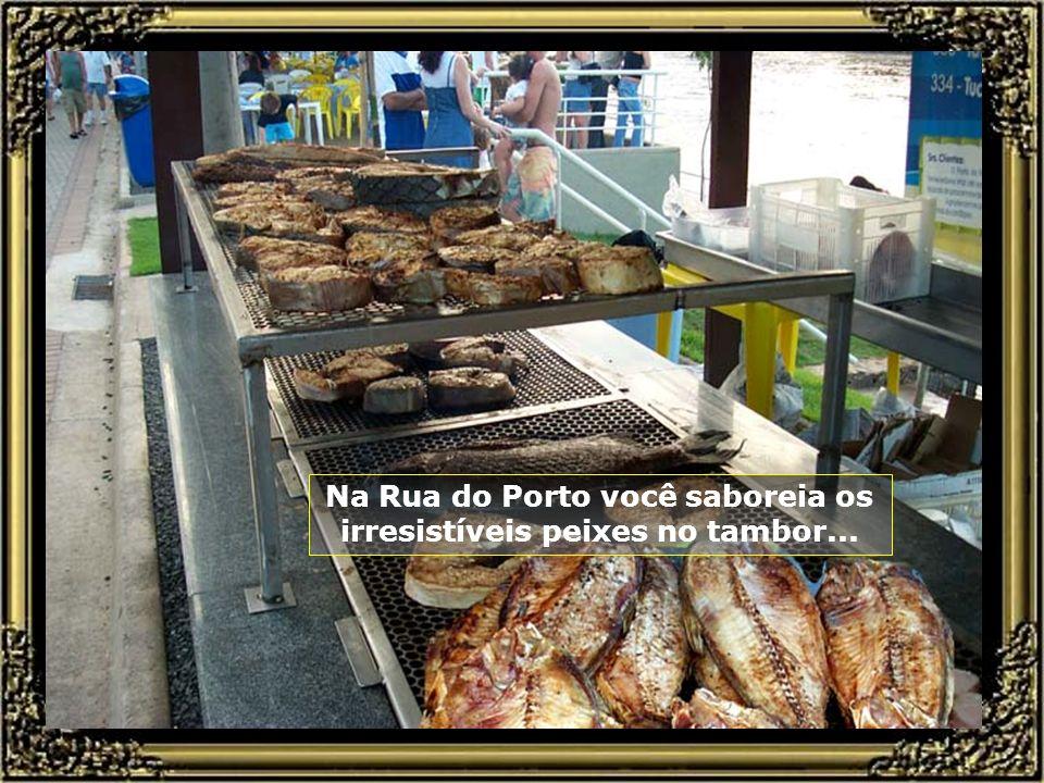 Rua do Porto, às margens do rio, é ponto de encontro nas tardes e noites de Piracicaba, com seus barzinhos e restaurantes por toda sua extensão... Rua