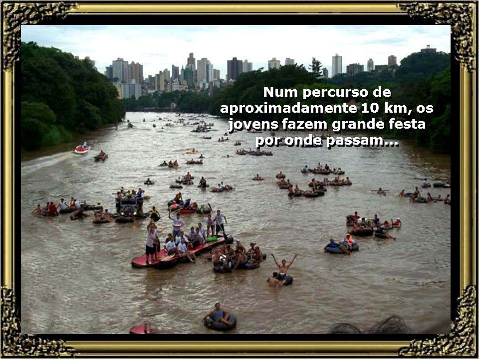 Passeio de Bóias pelo Rio Piracicaba, se constitui numa grande festa de encontro da juventude...