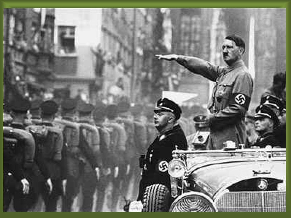 Itália: Itália: – Mussolini invade a Albânia (07-04-1939). Pacto de Aço (22-04-1939): Pacto de Aço (22-04-1939): – Aliança ofensiva/defensiva entre It