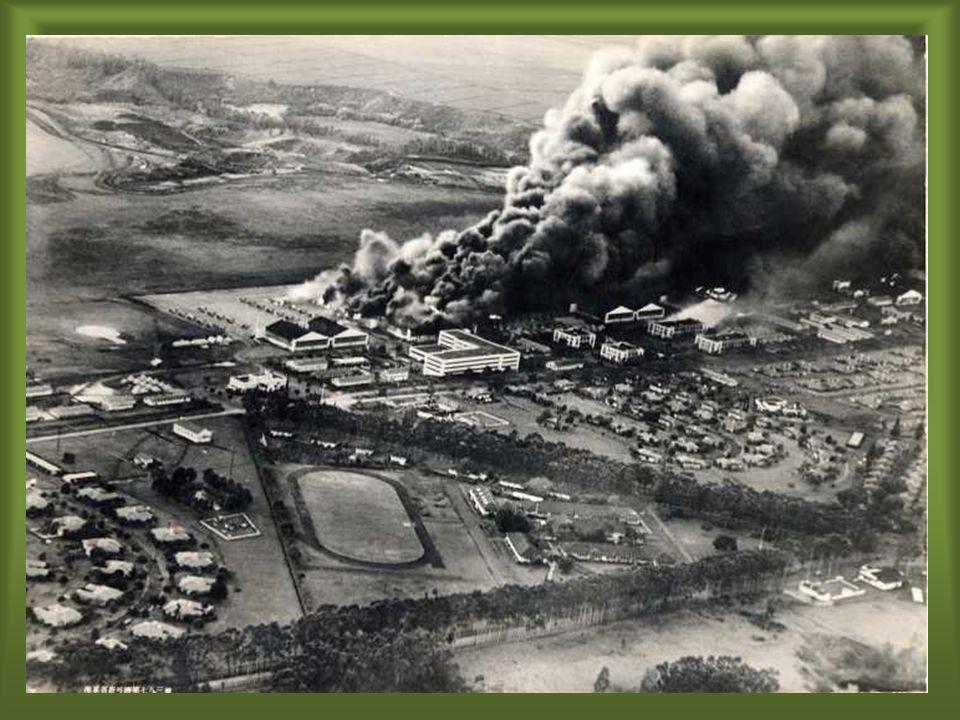 Operação Barbarossa (22-06-1941): Operação Barbarossa (22-06-1941): – Alemães atacam a URSS: – Alvos Ucrânia, Moscou e Leningrado.