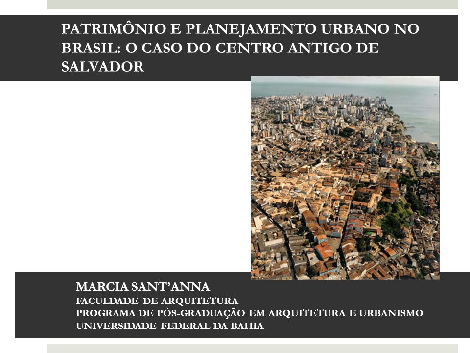 Empreendimentos imobiliários na borda da baía no sopé do centro histórico, Salvador, Bahia