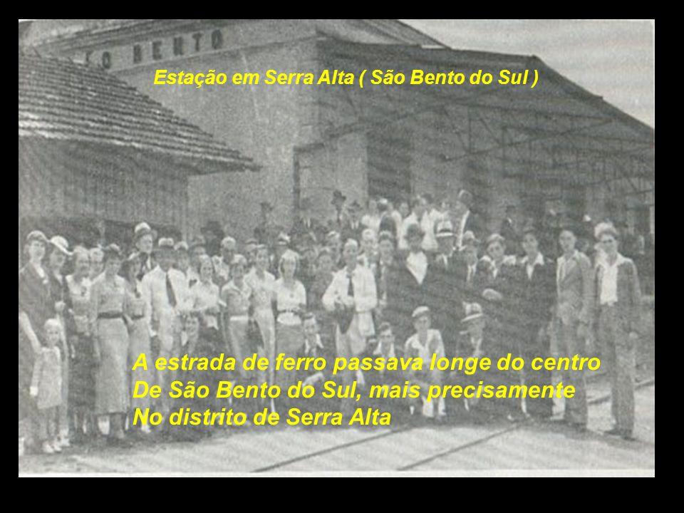 Estação de Rio Negrinho Antes de Rio Negrinho, chegava-se a Mafra e Rio Pretinho. Esta foto é bem recente...................
