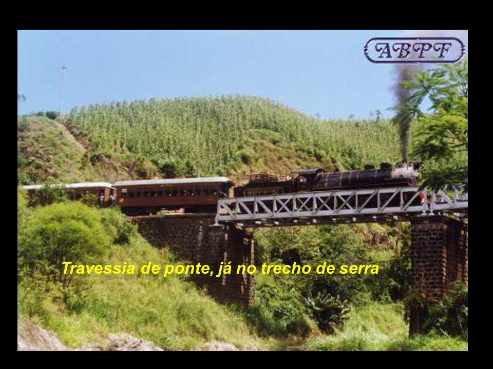 Ruinas da estação de Osvaldo Amaral ( serra ) Depois de Rio Natal, parava-se em Osvaldo Amaral, Já proximo de Corupá..................