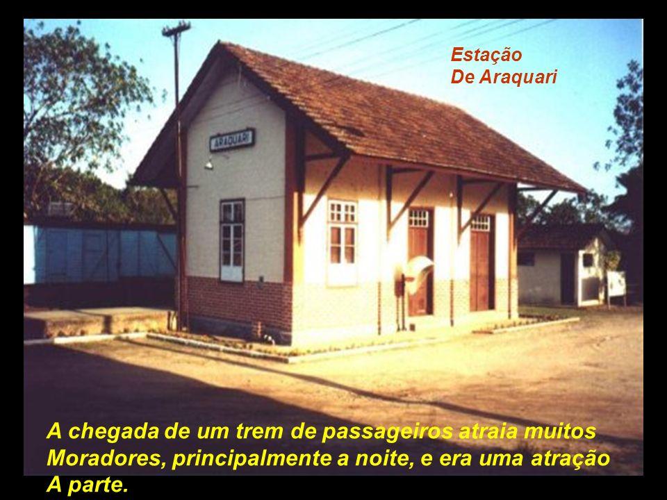 Estação de Joinville Construção em estilo germanico, também está Desativada para passageiros..................