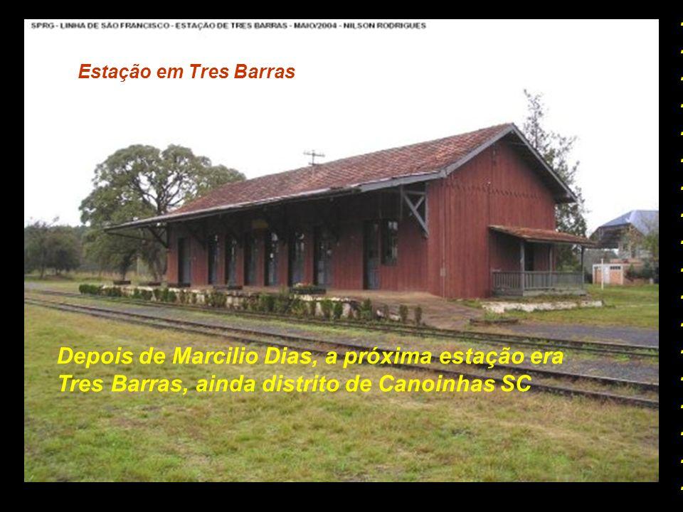 Estação de Canoinhas Havia um ramal ferroviário que ligava Canoinhas ao Distrito de Marcilio Dias, hoje totalmente desativado. No seu lugar, foi const