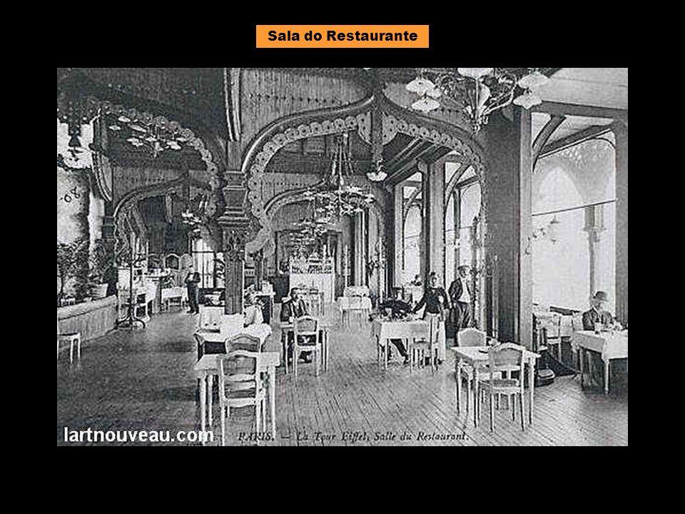 Decoração do primeiro piso em 1900.