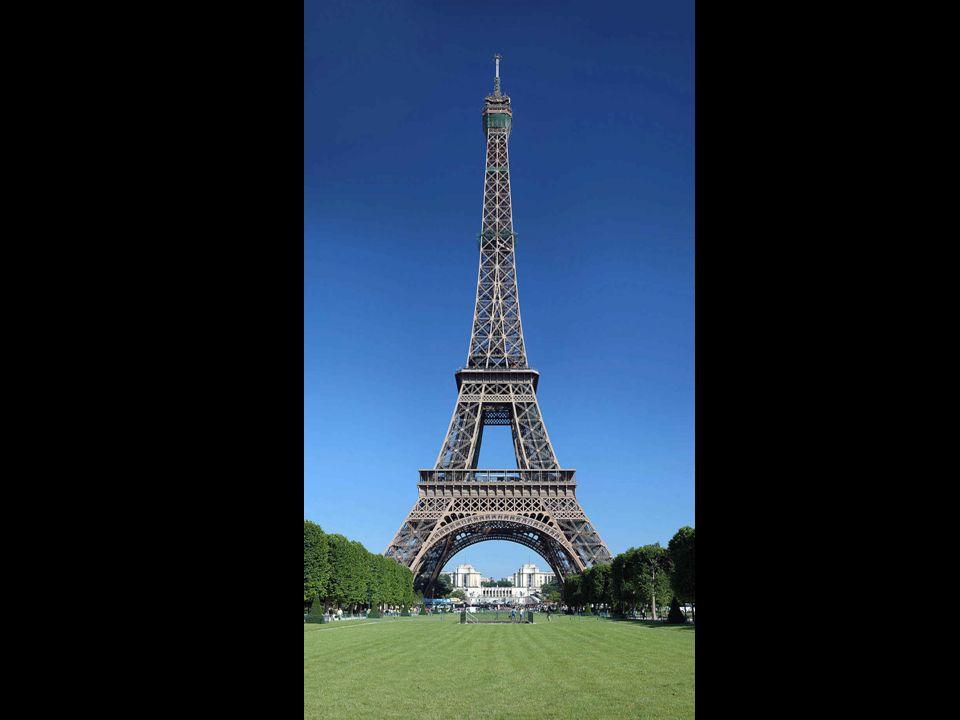 Demorou apenas 5 meses para construir as fundações e 21 para realizar a montagem da parte metálica da torre. É um recorde de velocidade, se se tiver e