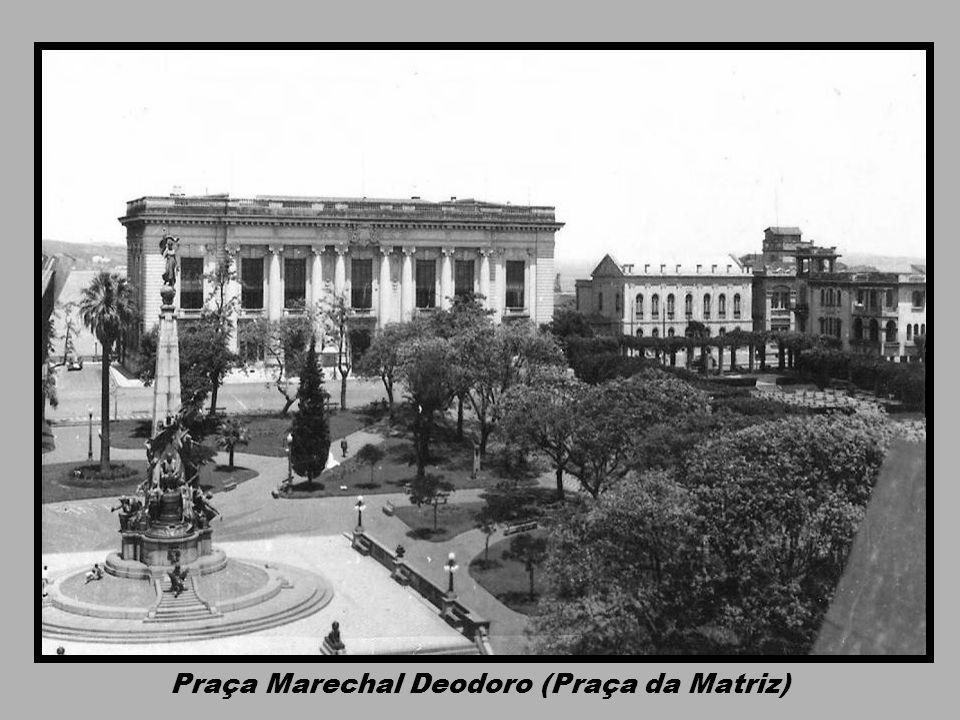 Praça da Matriz Catedral e Palácio Piratini -