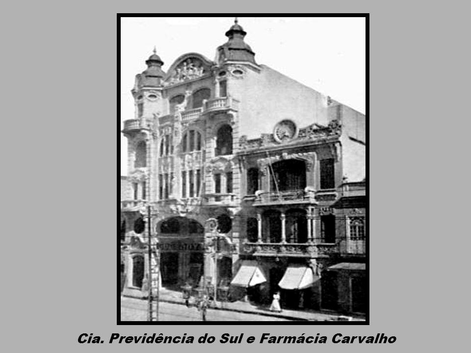 Praça da Alfândega, Cinemas Guarani e Imperial e Clube do Comércio
