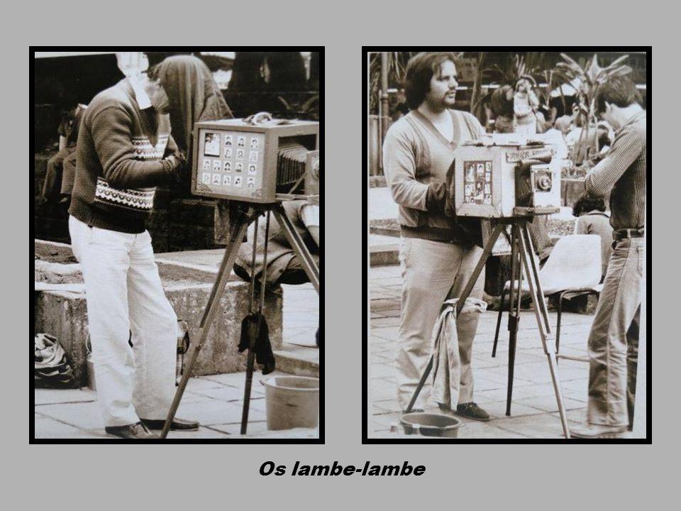 Fotógrafos lambe-lambe na Praça 15
