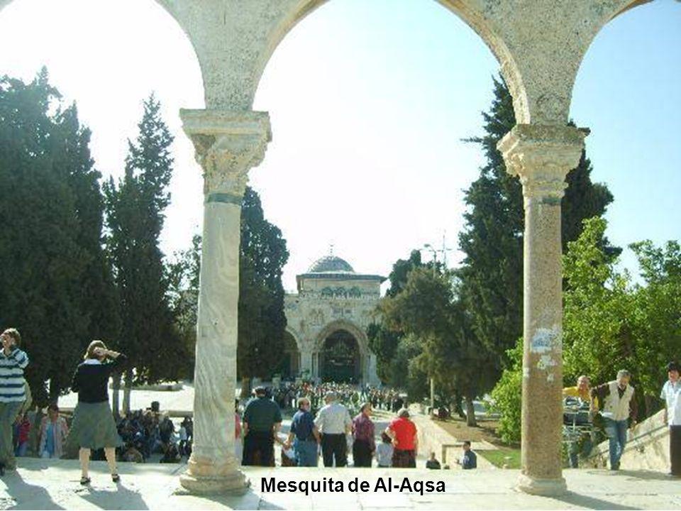 Entrada principal da Mesquita de Al-Aqsa