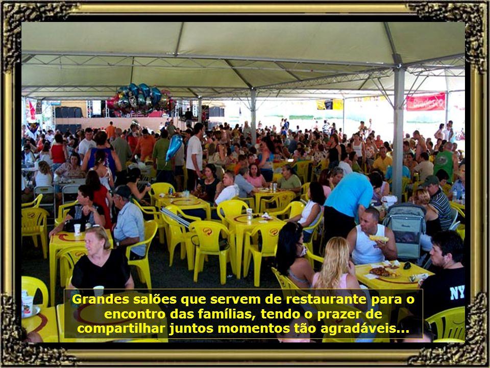 Um ambiente rural, gostoso de estar, com muita música e descontração, assim é a Festa do Milho-Verde, que se realiza no Centro Rural de Tanquinho...