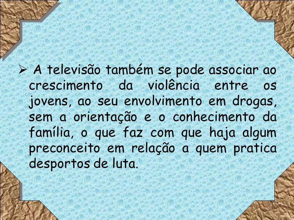 A televisão nos dias de hoje tem uma grande influência, principalmente nos jovens, o que faz com que sejam influenciados a nível de atitudes, valores e comportamentos.
