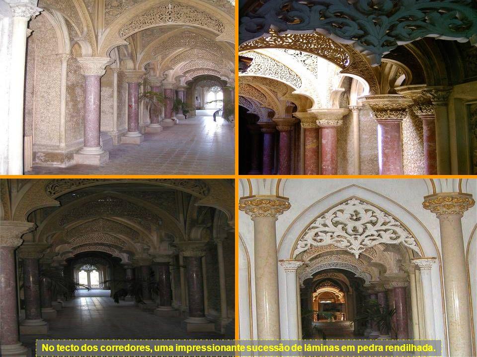 Um corredor no interior do Palácio.