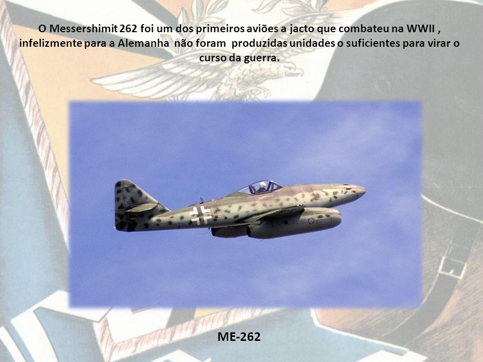 ME-163 Komet Messershimit 163 Komet surgiu nos meados 1944 foi o primeiro Rocket plane e foi usado como interceptor.