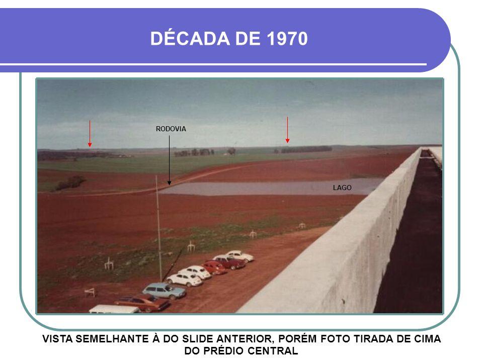 HOJE UM DOS ESPAÇOSOS ESTACIONAMENTOS As setas vermelhas do slide anterior são referências às próximas fotos 03