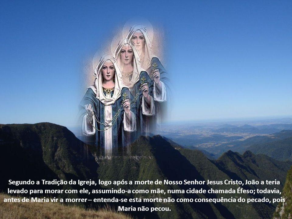 O Papa Pio XII, em 1950, proclama o Dogma da Assunção da Santíssima Virgem Maria, que consiste no seguinte: Cumprido o curso de sua vida terrena, Maria foi assunta ao Céu em corpo e alma.