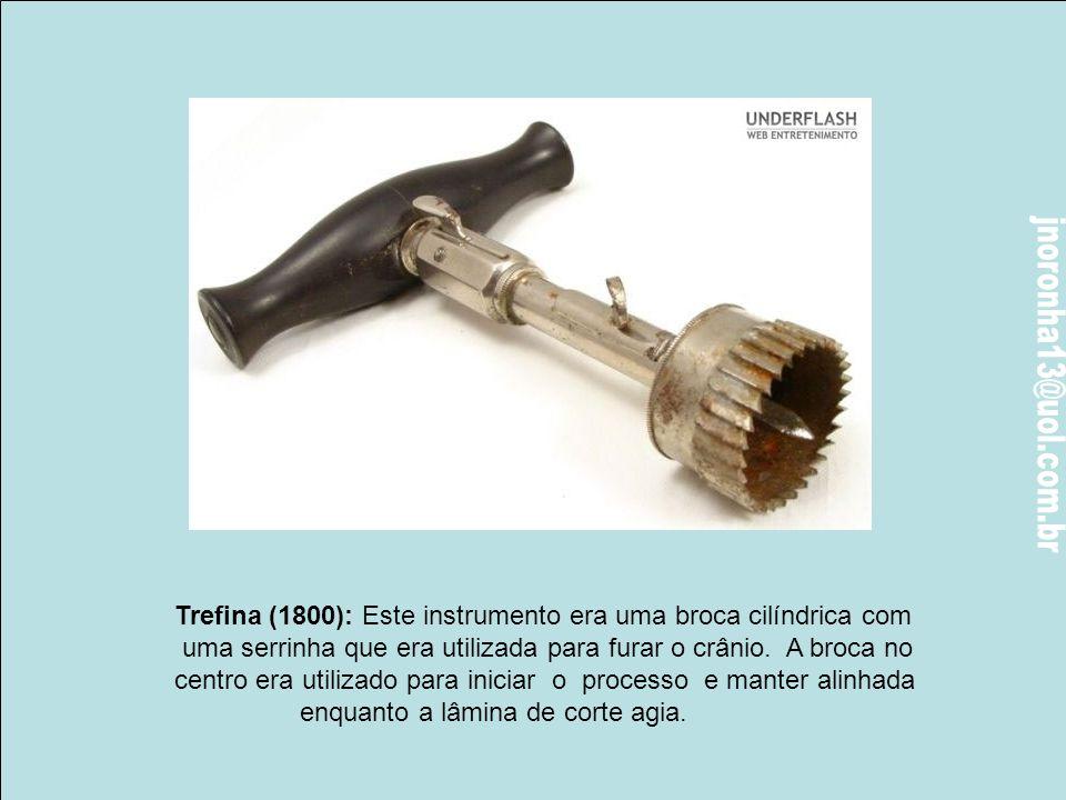 Lithotome (1740) Este lithotome era usado para cortar a bexiga a fim de remover pedras. O eixo continha uma lâmina escondida que era inserida na bexig