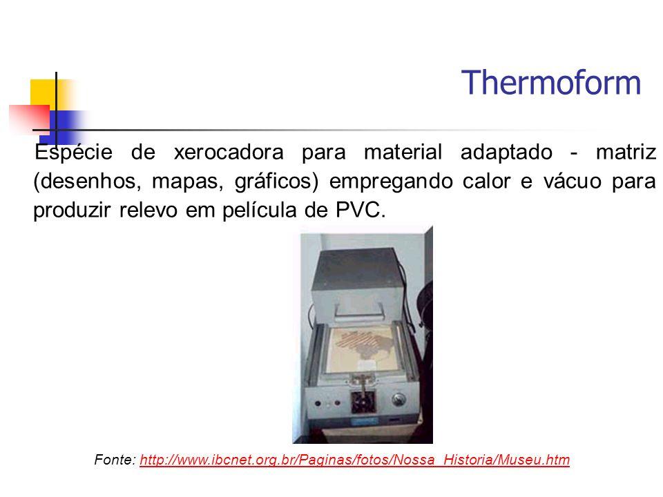 Espécie de xerocadora para material adaptado - matriz (desenhos, mapas, gráficos) empregando calor e vácuo para produzir relevo em película de PVC. Fo