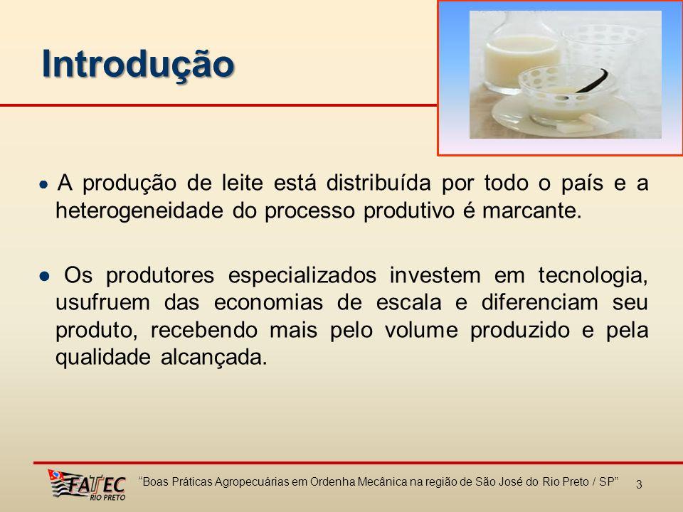 3 Introdução A produção de leite está distribuída por todo o país e a heterogeneidade do processo produtivo é marcante. Os produtores especializados i