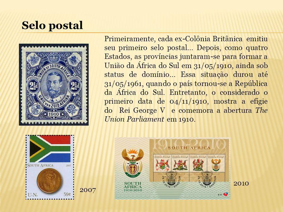Primeiramente, cada ex-Colônia Britânica emitiu seu primeiro selo postal... Depois, como quatro Estados, as províncias juntaram-se para formar a União
